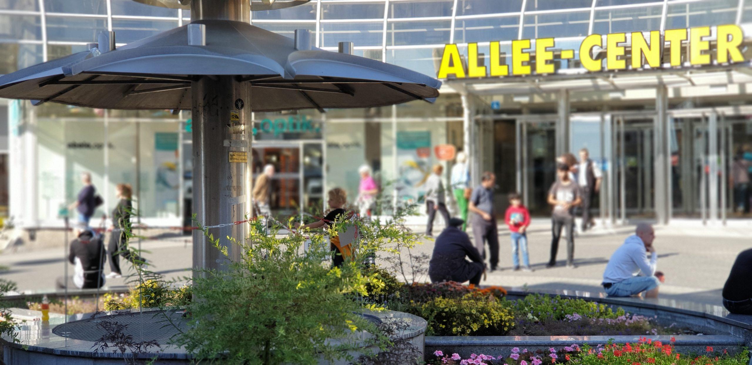 Dreck im Brunnen vor dem Allee-Center. Foto: Die Linke Remscheid