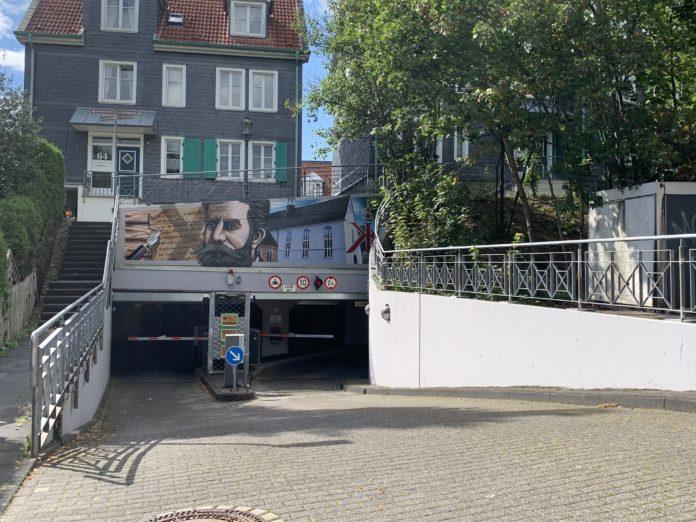 Graffiti von unikat-colors in Lennep: Röntgen und Klosterkirche. Foto: rs1.tv / Sinja Wappler