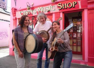 Fragile Matt spielen Irish Folk-Music. Foto: David Hutchinson