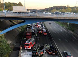 Die Unfallstelle auf der A1. Foto: Polizei Düsseldorf