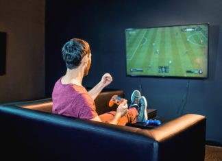 Mach deine Couch zum eSport-Thron – unter diesem Motto steht das FIFA 21-Online-Turnier der Volksbanken. Foto: Volksbank