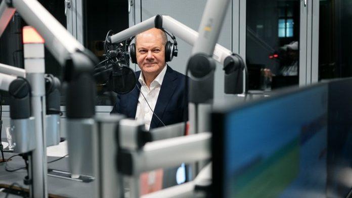 Vize-Kanzler Olaf Scholz (SPD) exklusiv im WDR COSMO-Podcast