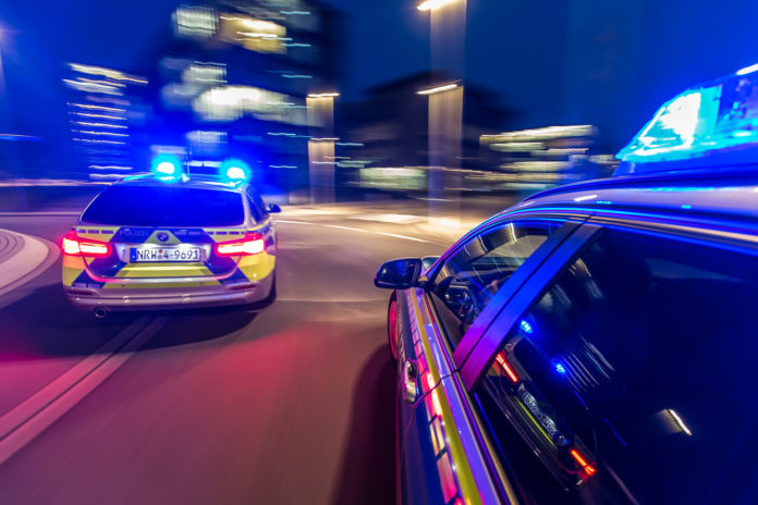Polizei bei der Verfolgung. Symbolbild.