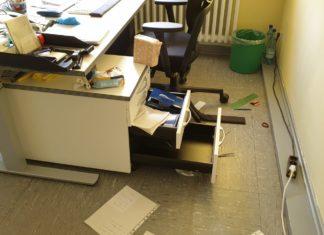 Vandalismus im Gesundheitshaus. Foto: Sinja Wappler / rs1.tv