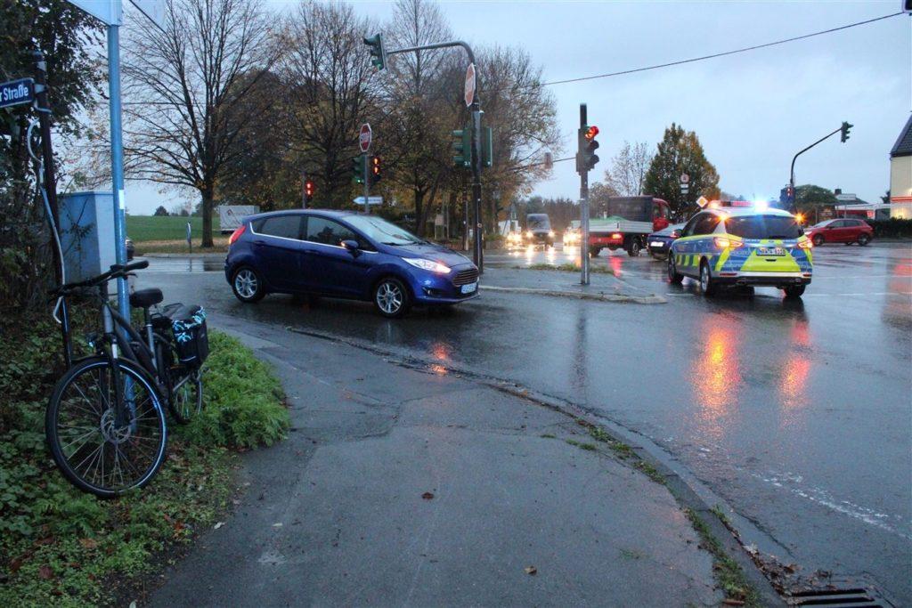 Verkehrsunfall mit Auto und Pedelec in Kürten-Spitze. Foto: Polizei RheinBerg