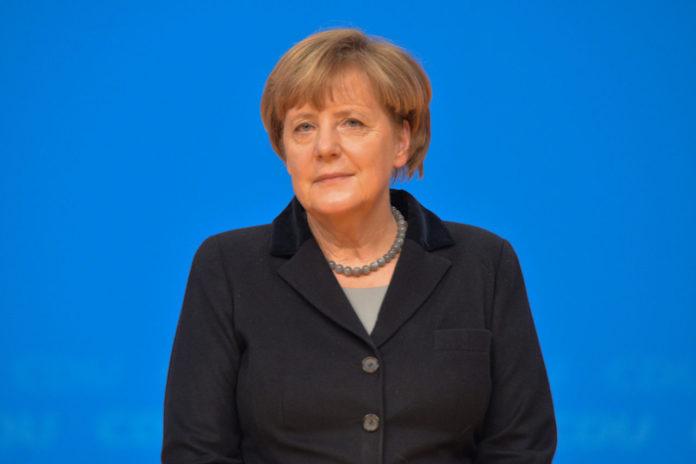 Bundeskanzlerin Dr. Angela Merkel auf dem 28. Parteitag der CDU Deutschlands am 14. Dezember 2015 in Karlsruhe. Foto: Olaf Kosinsky/Skillshare.eu