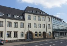 Das Ämterhaus befindet sich in Remscheid auf der Elberfelder Straße 32-36 in 4283 Remscheid. Foto: Sascha von Gerishem