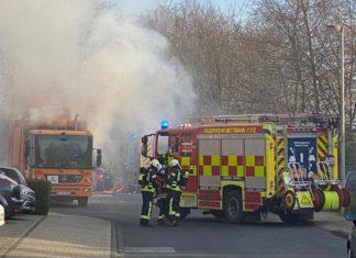 Die verrauchte Einsatzstelle. Foto: Feuerwehr Mettmann