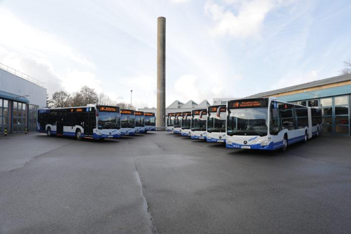 Mit mildem Hybrid weiter in Richtung Zukunft: Due neuen Citaro-Linienbusse der Stadtwerke Remscheid. Foto: Stadtwerke Remscheid.