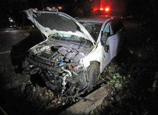 Der VW Golf wurde bei dem selbstverschuldeten Unfall des Fahranfängers erheblich beschädigt. Foto: Polizei Mettmann