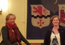 Beatrice Schlieper, Stellvertreterin des Remscheider Oberbürgermeisters und Ilka Brehmer, stellvertretende Bezirksbürgermeisterin für Alt-Remscheid. Foto: Sascha von Gerishem