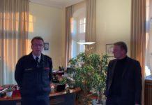 Screenshot aus der Videoansprache von Feuerwehrchef Guido Eul-Jordan und Remscheids Oberbürgermeister Burkhard-Mast-Weisz.
