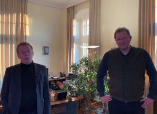 Screenshot aus der Videoansprache von Remscheids Oberbürgermeister Burkhard Mast-Weisz und Corona-Krisenstabsleiter Thomas Neuhaus.