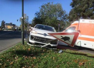 Der verunfallte Wagen aus Rösrath. Foto: Polizei RheinBerg