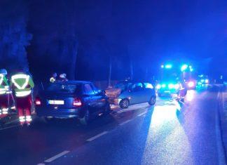 Frontalkollision auf der spiegelglatten Rottberger Straße. Foto: Feuerwehr Velbert