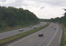 Die Autobahn A1 an der Anschlussstelle Remscheid Lennep-Lüttringhausen. Foto: Sascha von Gerishem