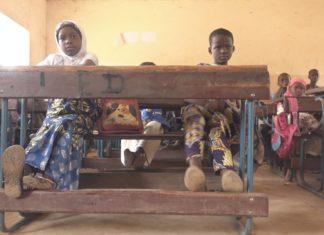 Die 9-jährige Oumou ist Teil des inklusiven Bildungsprogramms. Foto: Pascale Jérôme/HI