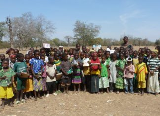 Schulkinder in Burkina Faso. Foto: David Sanclement