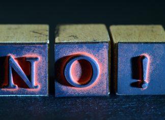 Nein! oder No! - Zeichen der Ablehnung. Foto: Ulrike Leone