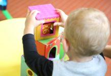 Das Spielen im Kindergarten ist unter Pandemiebedingungen mitunter einsam. Foto: Carole LR