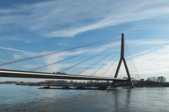 Die Fleher Brücke in Düsseldorf muss komplett neu gebaut werden.