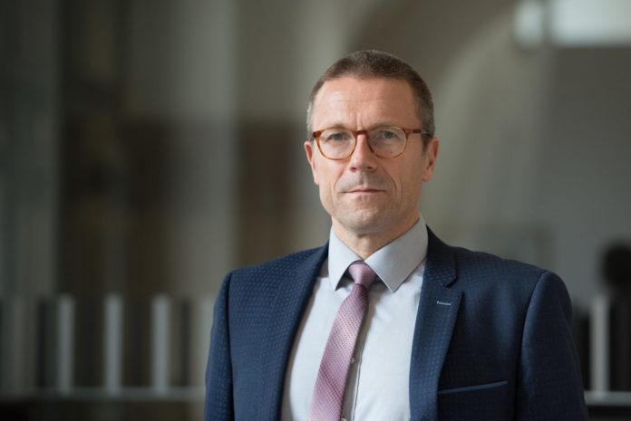 Dr. Uwe Schneidewind, Oberbürgermeister der Stadt Wuppertal. Foto: Stadt Wuppertal / Stefanie vom Stein