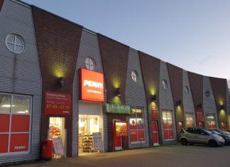 Der Penny-Markt in Lüttringhausen - Kreuzbergstraße 4 in 42899 Remscheid. Foto: Sascha von Gerishem