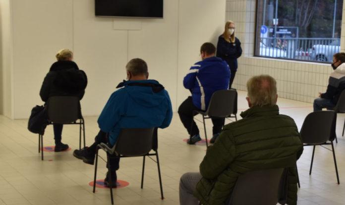 Die ersten ab 80-jährigen werden am Montag im Impfzentrum erwartet. Das Foto stammt vom Probelauf Ende Dezember. Foto: UvK/Ennepe-Ruhr-Kreis