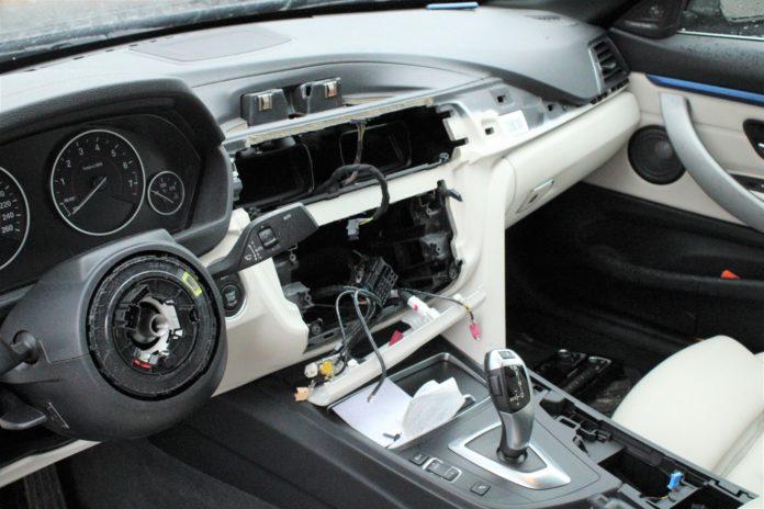 Ausgebauter BMW Frankenforst. Foto: Polizei RheinBerg