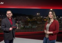 """Marcus Schmidt führt durch """"Die Woche"""", die Lokalnachrichten aus Remscheid präsentiert Sabrina Ottersbach. Eine Kooperation von rs1.tv und Lüttringhauser. Screenshot: rs1.tv"""