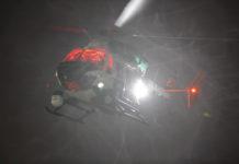 Symbolbild: Polizeihubschrauber im nächtlichen Einsatz zur Suche und Fahndung nach flüchtigem Straftäter