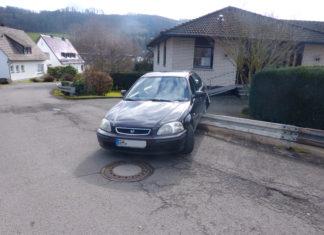 Ohne Führerschein in GUmmersbach unterwegs und dann einen Unfall gebaut. Foto: Polizei Oberberg