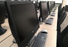 Symbolfoto: Moderne Kalssenröume mit zeitgemäßer IT-Technik.
