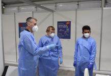 Corona: Letzte Absprachen im Impfzentrum Wuppertal. © Stadt Wuppertal