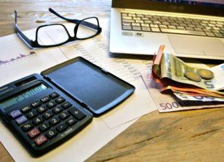 """""""Nur zwei Dinge auf dieser Welt sind uns sicher: Der Tod und die Steuer."""" - Benjamin Franklin"""