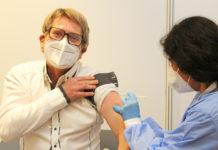 """Dr. Frank Richling zu AstraZeneca: """"Das ist ein guter Impfstoff, sonst würde ich mir den nicht spritzen lassen."""" Foto: OBK"""
