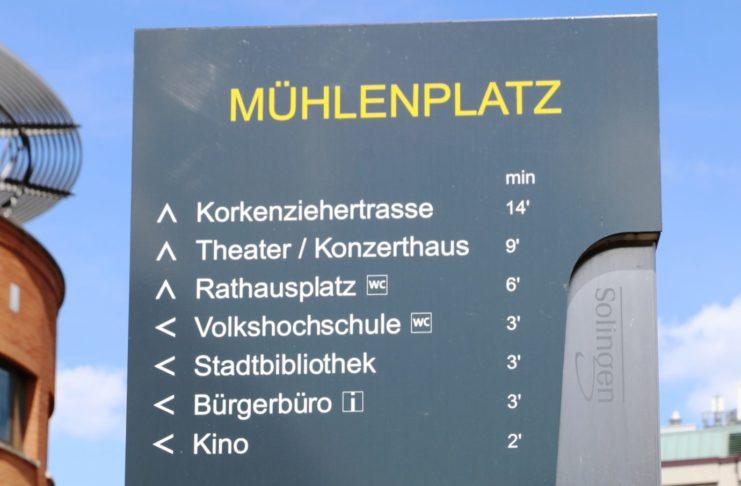 Solingen Mühlenplatz Schild 2019