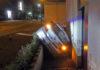 Verunfallter Wagen auf der La Roche-Sur-Yon-Straße in Gummersbach. Foto: Polizei Oberberg