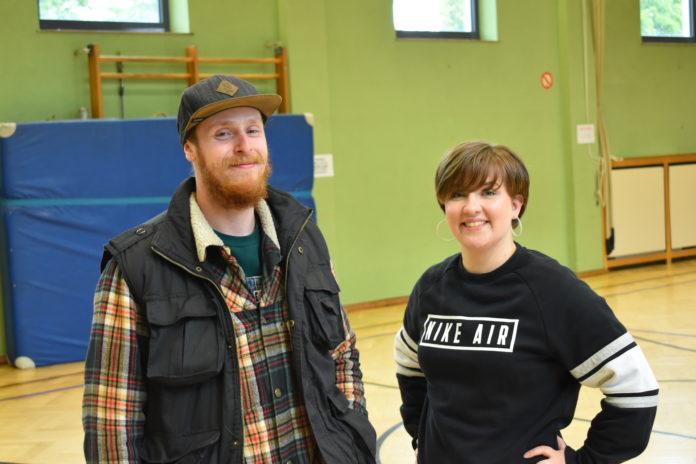Sandra Stoppert und Merlin Rachuy gründen soeben einen Förderverein für ihren Tanzraum Remscheid. Foto: Peter Klohs
