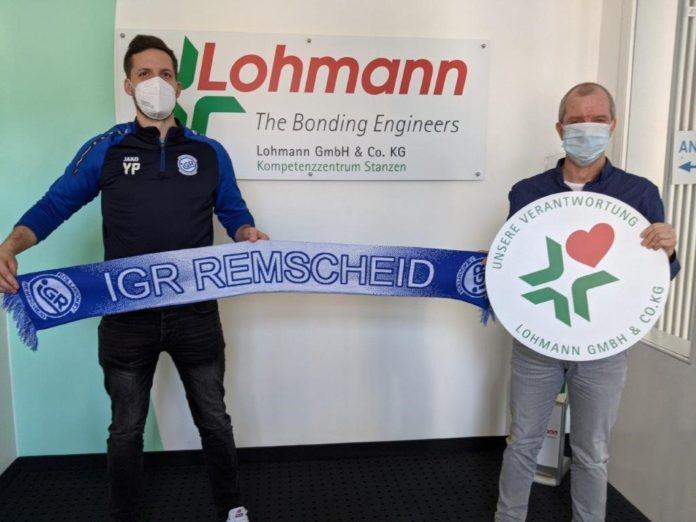 Sponsoring beim Rollhockey: Yannick Peinke und Wolfram Boll freuen sich über die Partnerschaft. Foto: IGR Remscheid / Georg Feldhoff