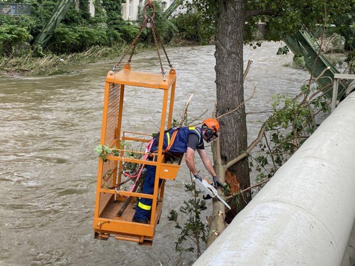 Gefährlicher Hochwassereinsatz in Wuppertal. Foto: THW Remscheid / Luca Theis