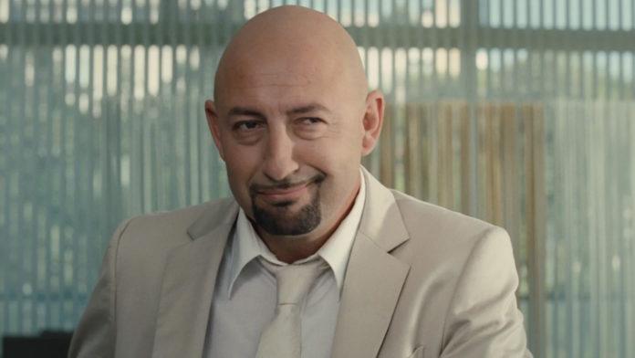 Alles nur Fassade - mit seinem Lächeln gaukelt Mourad Ben Saoud (Kad Merad) Freunden und Frauen den Italiener vor, der er nicht ist. Foto: Arsenal Filmverleih
