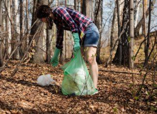In der Stadt und in der Natur liegt immer wieder Müll einfach herum. Foto: Anastasia Gepp