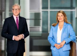 Theo Koll und Tina Hassel moderieren die Schlussrunde der Spitzenkandidatinnen und -kandidaten aller im Bundestag vertretenen Parteien, also nicht nur den demokratischen. ©ZDF / Svea Pietschmann