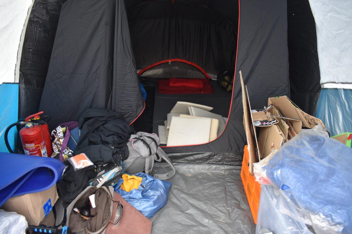 Ein Zelt ist für viele Menschen viel mehr als nur ein trockener Schlafplatz im Urlaub. Foto: Peter Klohs