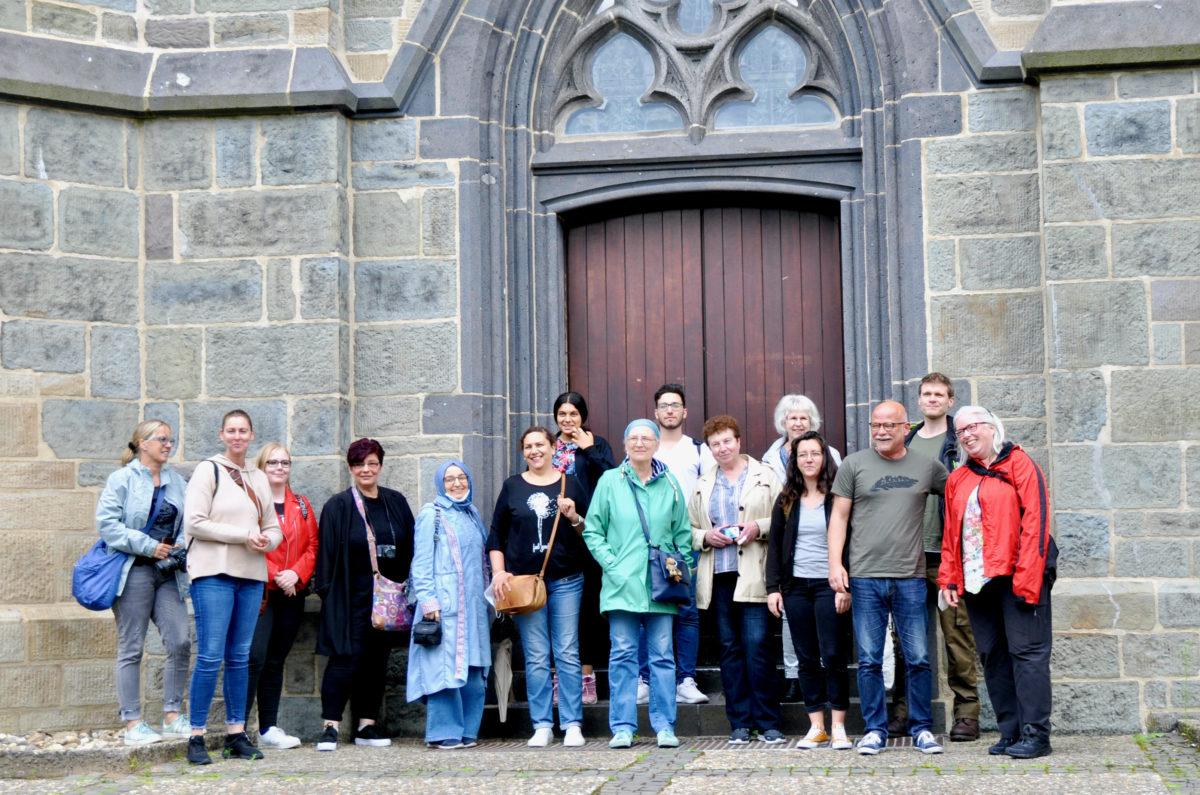 Gruppenbild: Diese Menschen waren in Lennep dem Leben auf der Spur und auf Entdeckungsreise durch Lennep. Foto: Roman Rösener