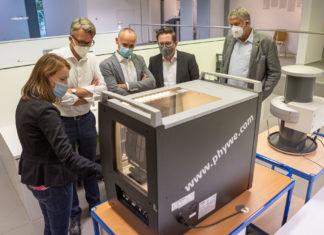 Anna Kätker, Sven Wolf, David Schichel, Sven Chudzinski und Dr. Uwe Busch (v.l.). Foto: Thomas E. Wunsch