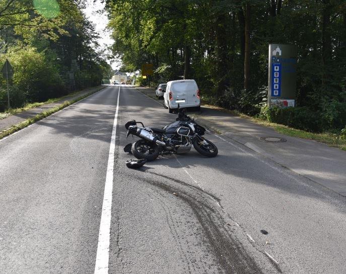 Verkehrsunfall mit Motorrad. Foto: Polizei RheinBerg