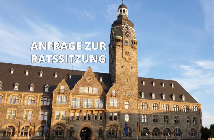 Anfrage zur Ratssitzung. Rathaus Remscheid. Foto: Sascha von Gerishem