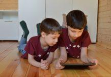 Kinder im Internet brauchen aufgeklärte Eltern im Hintergrund.
